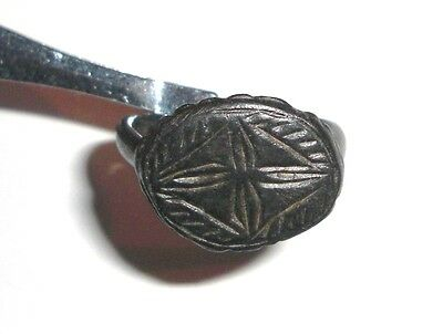 Ancient Byzantine Empire, 8th - 10th c. AD. Bronze Intaglio Signet ring cross