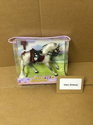 Grand Champions Classic Collection Special 26028 White Lipizzan Horse Play Set