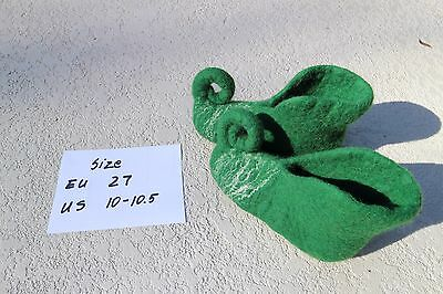 kids wool slippers size 10-10.5 green