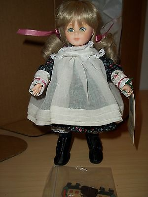 """Robin Woods Lucy """"Now We Are Six""""  8"""" Vinyl Doll - Made in 1990 W/Box & Tag"""