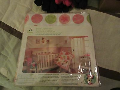 Disney Minnie's Perfect Petal Secure-Me Crib Liner - New in Package
