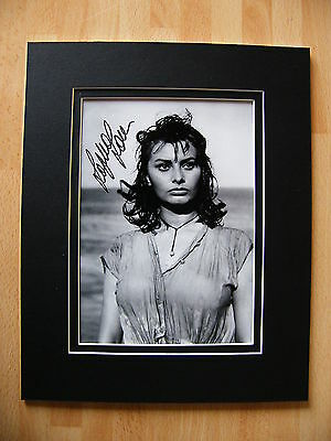 Sophia Loren Hand Signed Autograph 10X8 Photo Mount Hollywood Film Actress & Coa