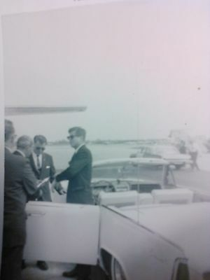 pictures of john kennedy landing in florida with his motorcade in mar of 1962