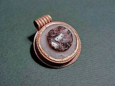 Ancient Gold & Agate Magical Eye Pendant 1200 - 800 Bc