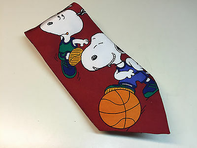 Collectible PEANUTS Gang Necktie Tie Snoopy The Dog Playing Basketball