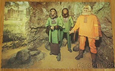 "Vintage 1970's MOVIELAND WAX MUSEUM ""Planet Of The Apes"" POTA postcard"