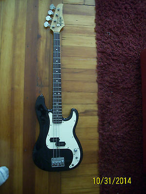 Old Vintage Suzuki Bass Guitar Electric Rare Great Action Great Neck Rare