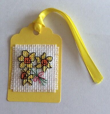 5x completed cross stitch Daffodils tags