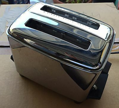 Vintage Proctor Silex Automatic Pop-Up Toaster P20214