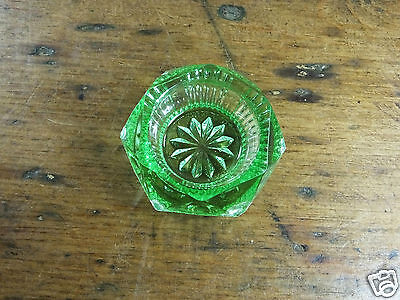Green Vintage George Davidson & Co Flint Glass Salt Dish 252 c1928 depression