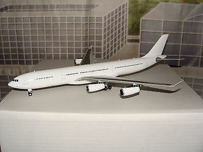 JC Wings 200 Blank White A340 -300 1/200 With Stand **Free S&H** L A S T