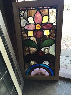 Sg 477 Antique Flower Window With Rondelle In Center