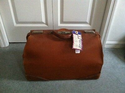 Vintage Dr. style Leather luggage bag