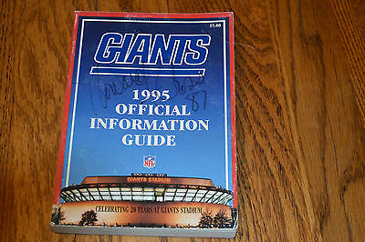 New York Giants 1995 Official Information Guide Signed By Howard Cross Auto