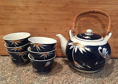 7 pcs. Japanese Asian Sake/Teapot & 6 cups Bamboo Handle: White, Blue Porcelain