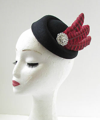 Black Red Pheasant Feather Pillbox Hat Fascinator Vintage 1940s Races Silver W41