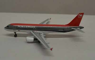 Dragon Wings Northwest Airlines Airbus A320