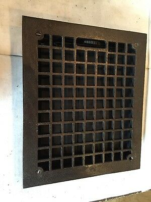 Antique Cast Iron Squared Pattern Heating Grate Tc 109