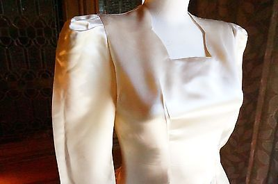 Vintage 1940s Ivory Satin Wedding Gown Sweetheart Neckline Cathedral Train