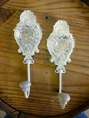 "2 WHITE FAN DESIGN DECORATIVE ORNATE WALL HOOKS CLEAR KNOB 7.5"" shabby chic key"