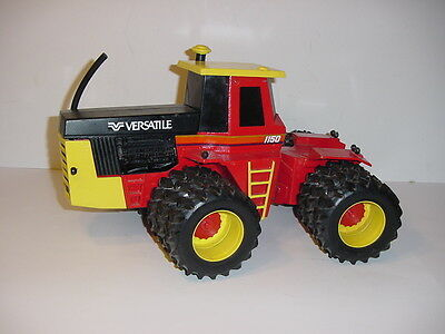1/16 Versatile 1150 Tractor W/Tripes by Scale Models!