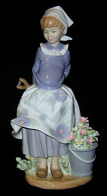 Lladro 'Little Dutch Gardener' #5671 - Glazed  with Original Box