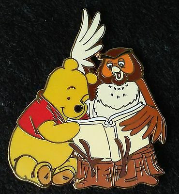 2007 Winnie The Pooh & Gang Booster Collection Pooh And Owl Reading A Book Pin