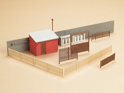 Auhagen 12256 NEW 1:100 GATES & BUILDING ACCESSORIES