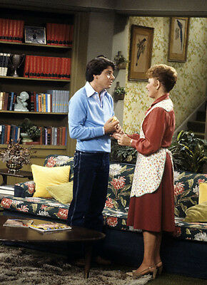 Anson Williams & Marion Ross UNSIGNED photo - P2426 - Happy Days