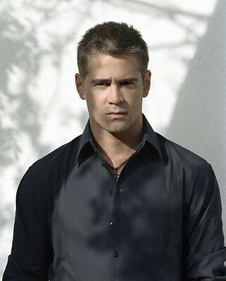 Colin Farrell UNSIGNED photo - P2962 - HANDSOME!!!!!