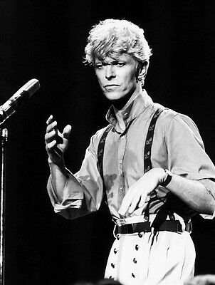 David Bowie  10x 8 UNSIGNED photo - P217 - Ashes to Ashes &  Life On Mars?