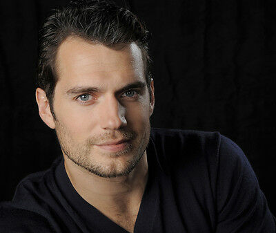 Henry Cavill  10x 8 UNSIGNED photo - P848 - HANDSOME!!!!!