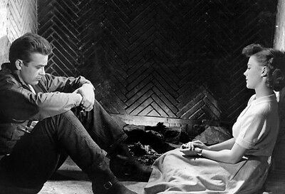 James Dean & Natalie Wood ‏ 10x 8 UNSIGNED photo - P506 - Rebel Without A Cause