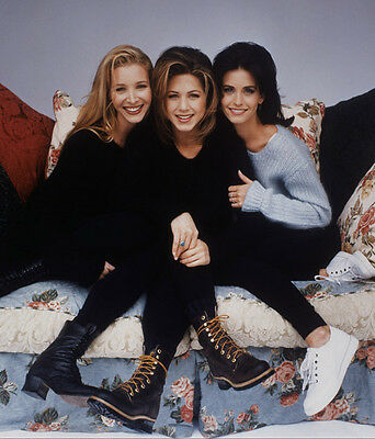 Jennifer Aniston, Courteney Cox & Lisa Kudrow UNSIGNED photo - P2643 - Friends