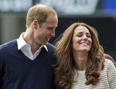 P688 Prince William and Kate Middleton 10 x 8 UNSIGNED photo