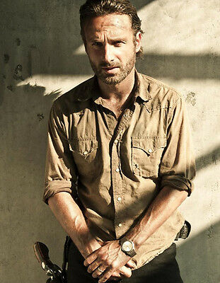 Andrew Lincoln Unsigned Photo - 9064 - The Walking Dead