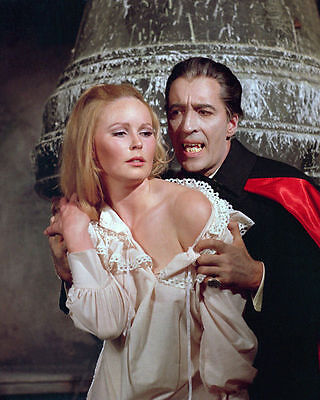 Veronica Carlson & Christopher Lee Unsigned Photo - 4084