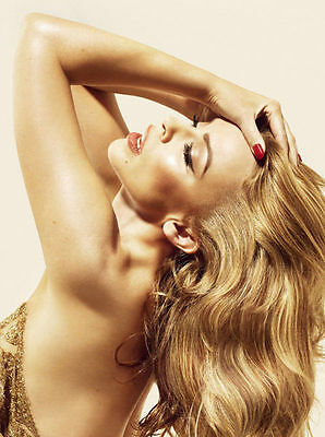 Kylie Minogue Unsigned Photo - 8162 - Stunning!!!!!