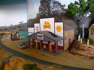 HO scale building kit Service station