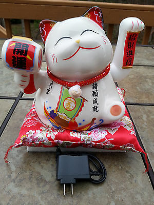 Chinese Luck White Porcelain Waving Hand Paw Up Fortune Kitty Cat