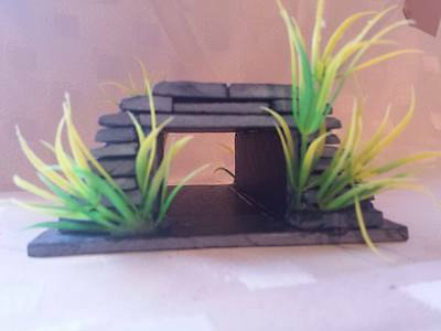 1 x Rustic slate tunnel great for many types of fish pleco etc