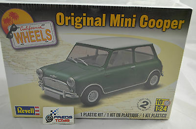 Revell -1 Plastic Kit Original Mini Cooper 1:24 scale