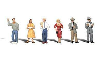 Woodland Scenics N Scale figures Pedestrians A2121   S237