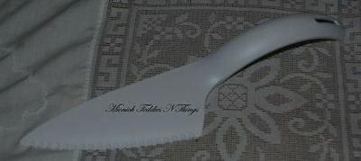 Tupperware Utensil Cake Cutter Server White