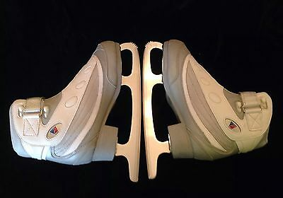 New Pair Of New RIEDELL Model F #820 Figure Ice Skates Size 6 Blade Gray White
