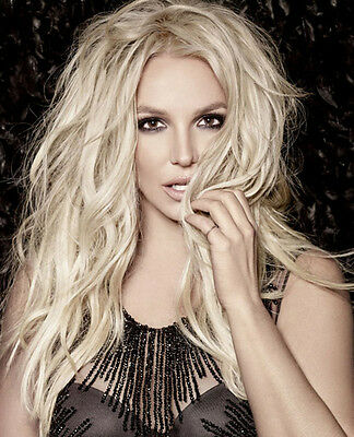 Britney Spears UNSIGNED photo - B331 - American singer and actress
