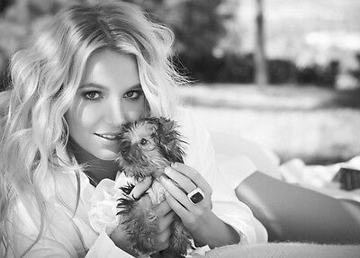 Britney Spears UNSIGNED photo - B339 - GORGEOUS!!!!!