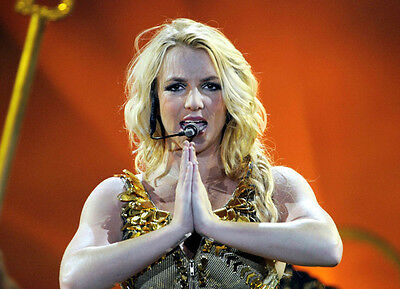 Britney Spears UNSIGNED photo - B347 - STUNNING!!!!!