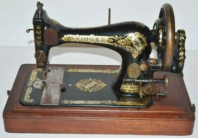c1902 Singer 28K Hand Crank Sewing Machine - FREE Delivery [PL2058]