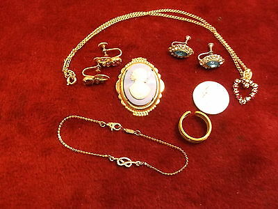 Mixed Lot Of Older Vtg Costume Jewelry, Incl Nice Powder Blue & White Cameo Pin+